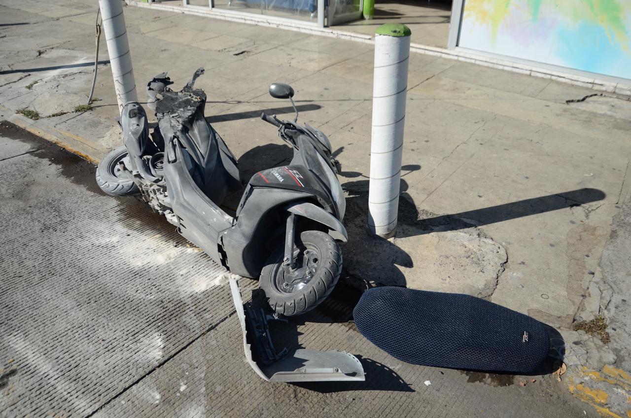 Dos lesionados en accidente en Centro de Veracruz pues el conductor de un automóvil circulaba a exceso de velocidad