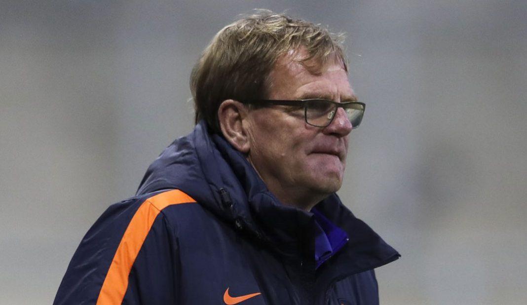 Dwight Lodeweges técnico interino de Holanda