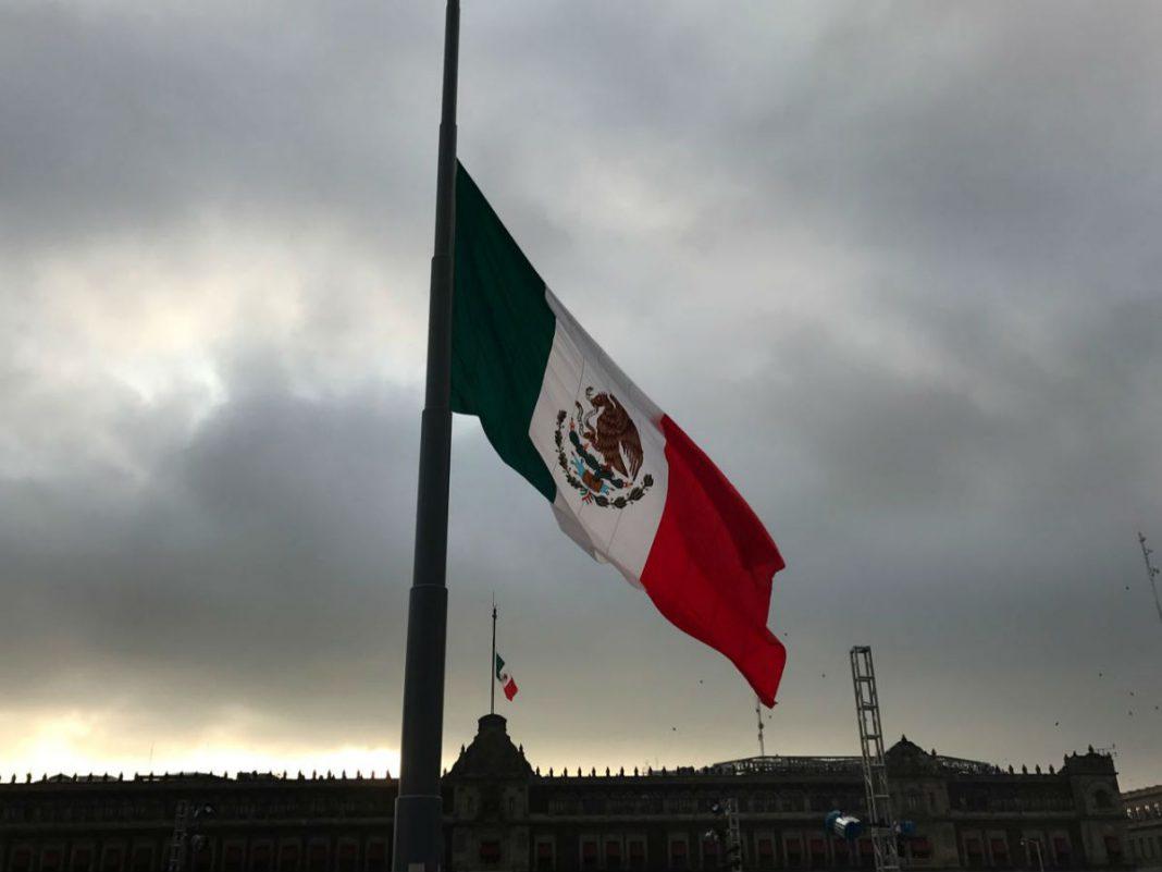 Duelo nacional en México por muertos de COVID-19 que durará 30 días