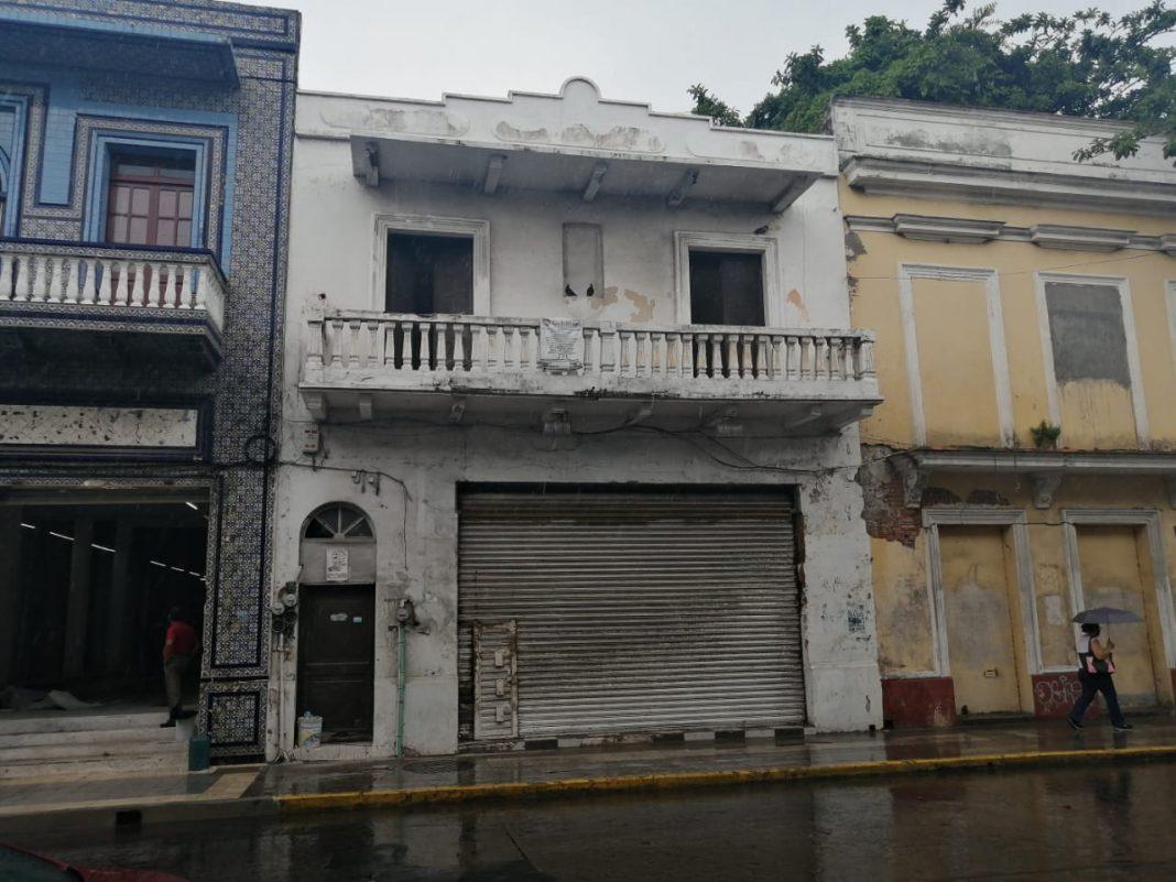 Se vuelve a derrumbar vivienda en el Centro Histórico de Veracruz