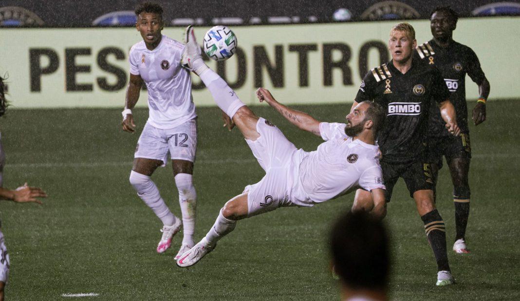 Higuaín falla penal en su debut con Inter Miami