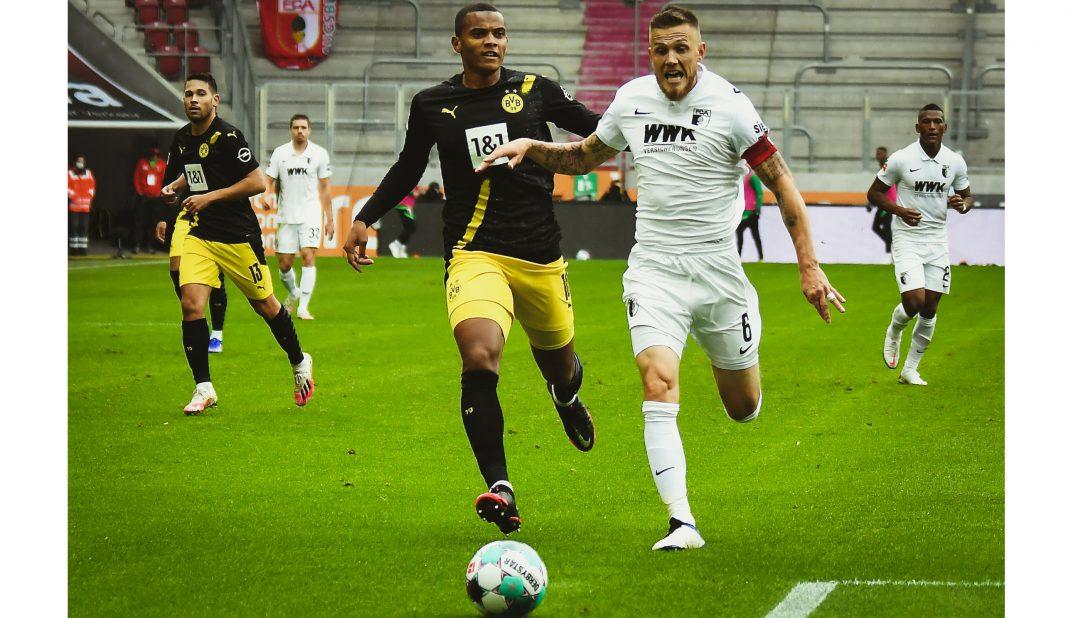 Augsburg sorprende y derrota al Borussia Dortmund