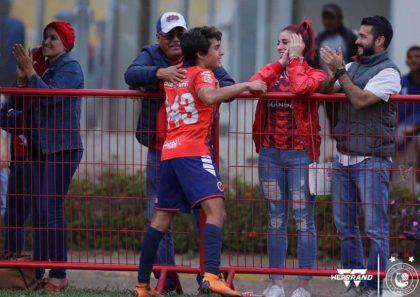Veracruzano Maximiliano Palacios entrena con el TRI