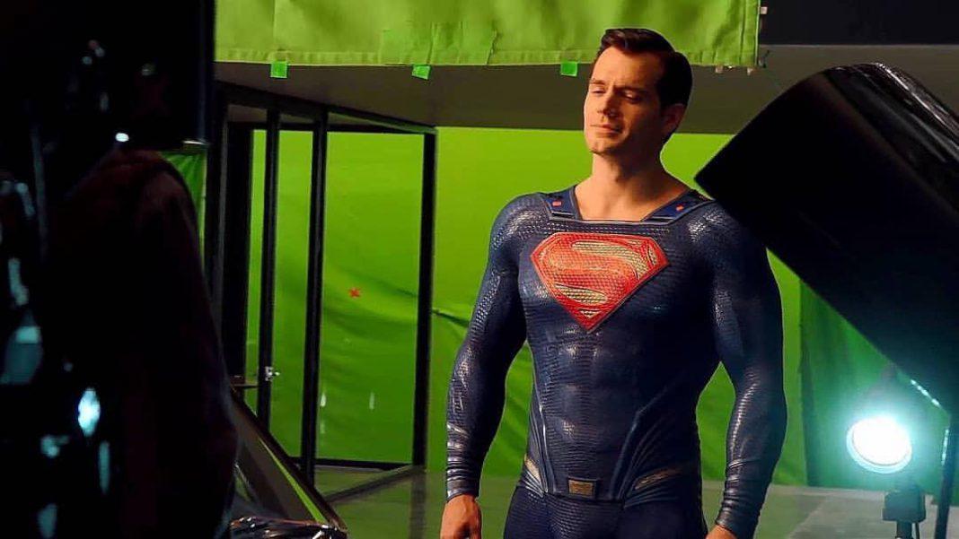 Henry Cavill firmó para 3 apariciones más de Superman.