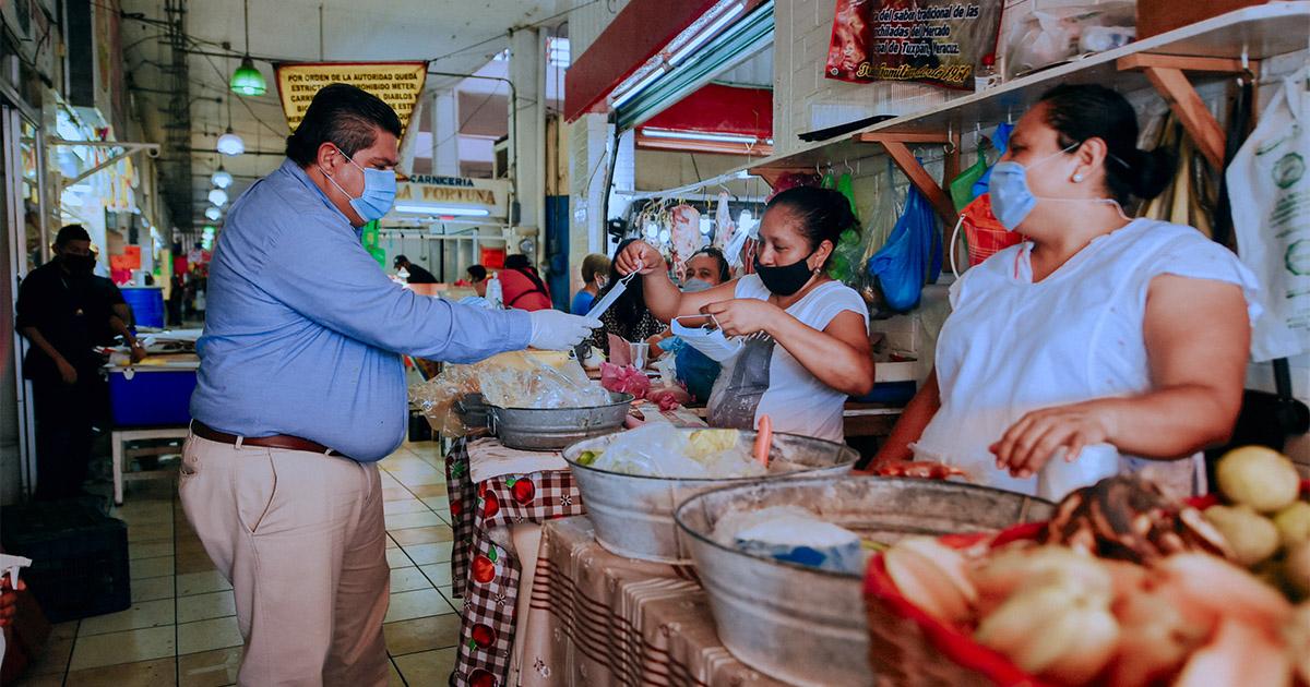 """""""Consumo interno para enfrentar crisis económica""""; Ricardo Cuevas"""
