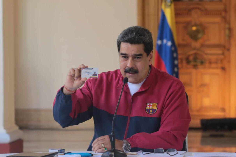 Maduro es acusado por crímenes de lesa humanidad