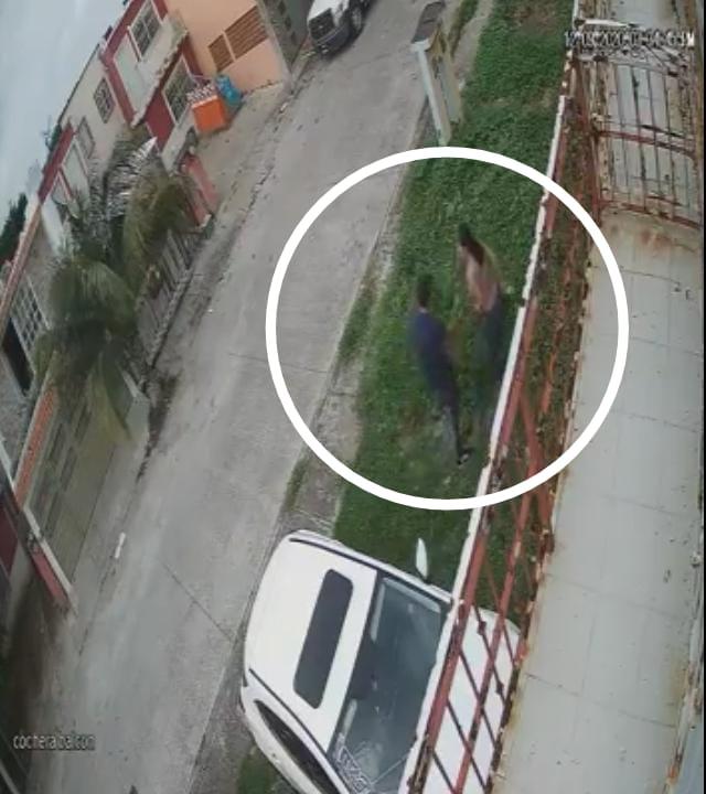 Banda de roba carros roba a disparos unidades en Hacienda Sotavento
