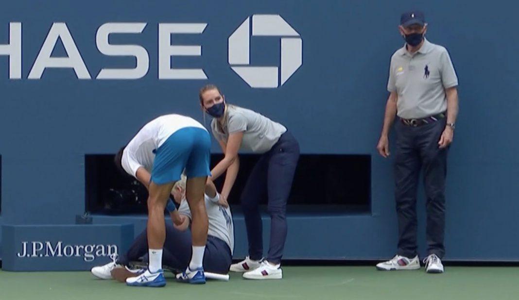 Djokovic eliminado del US Open tras pelotazo a una jueza
