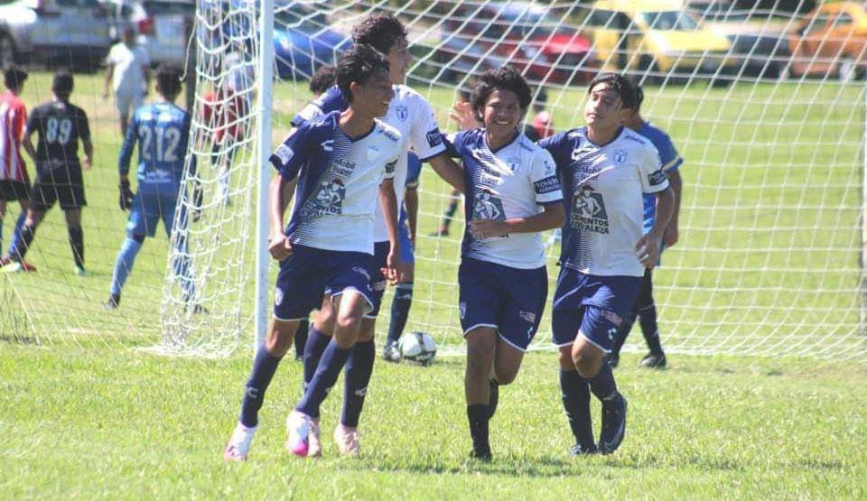 Pachuca Veracruz y Club Veracruzano de Fútbol por el título