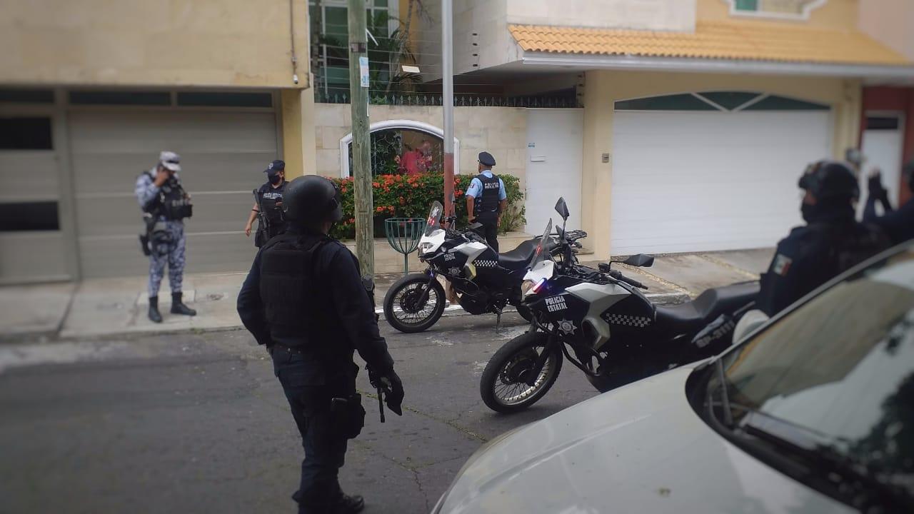 Intenso operativo por presunta persona armada en el Reforma