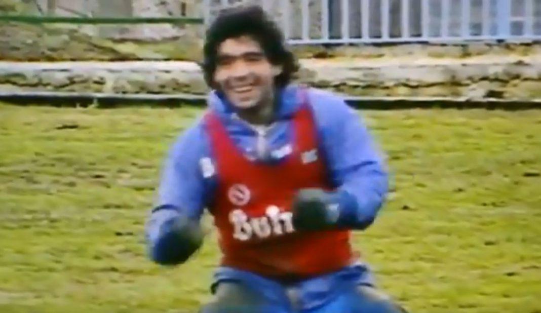 Sale a la luz otro video de Maradona entrenando con Napoli