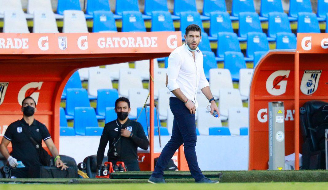 Alex Diego deja la dirección técnica de Querétaro