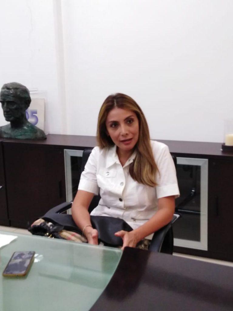 instituto Socrático y Taxis GL ofrecen mil becas
