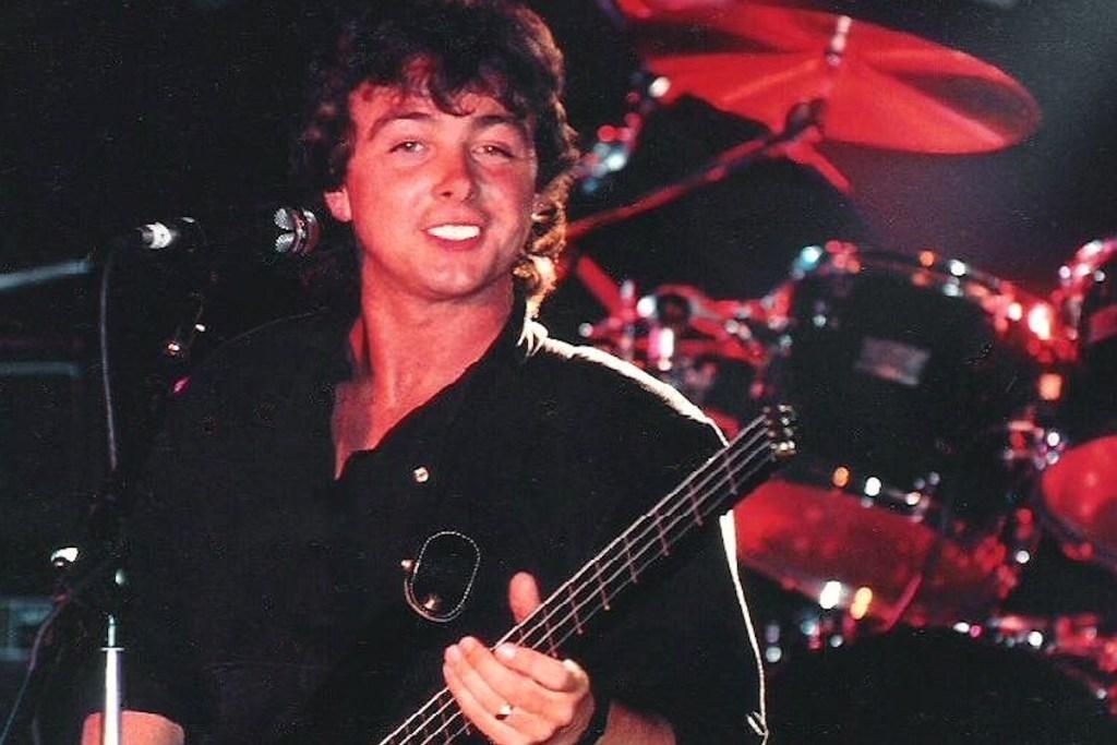 Fallece Tony Lewis, vocalista de The outfield.