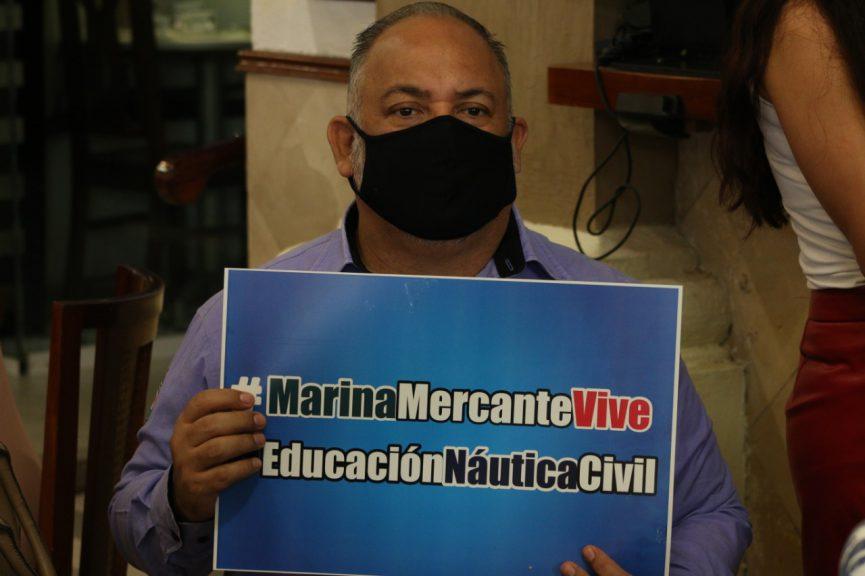 Protestan marinos mercantes contra militarización de puertos