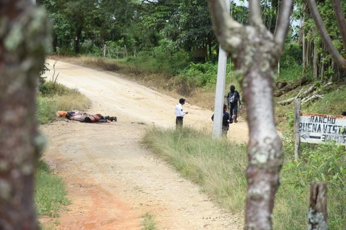 Abandonan cinco cadáveres en límites de Veracruz con Oaxaca