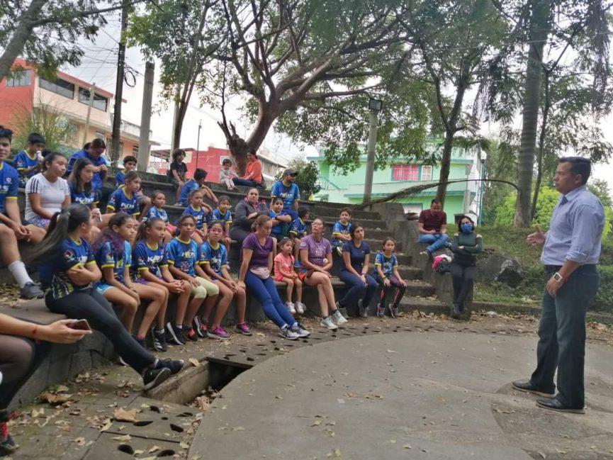 Seis niños de Kids Runners participarán en una competencia en Aguascalientes y correrán 1.2 km