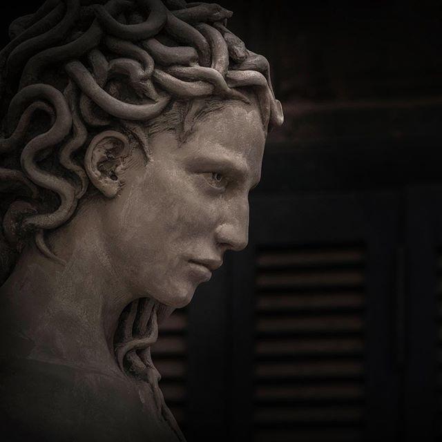 Polémica por escultura de Medusa con cabeza de Perseo
