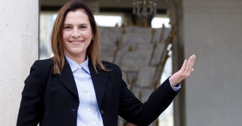 Beatriz Gutiérrez Müller le entregó al PAPA una carta de AMLO.