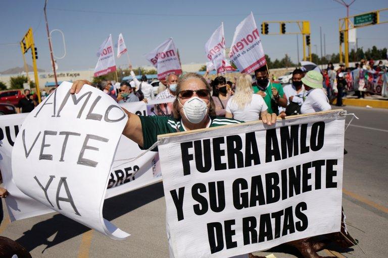 AMLO: Estoy ocupado en enfrentar la crisis de la pandemia y la crisis económica