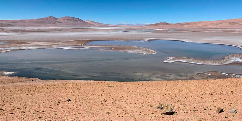 Descubren una red de lagos salados en Marte.