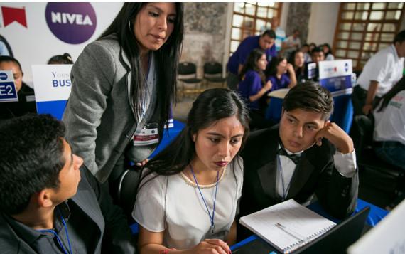 En México hay 1.7 millones de docentes: INEGI.
