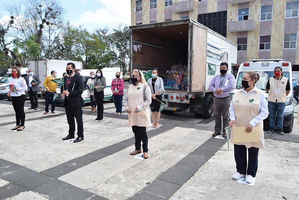 Personal del IMSS hace donativo a damnificados en Tabasco