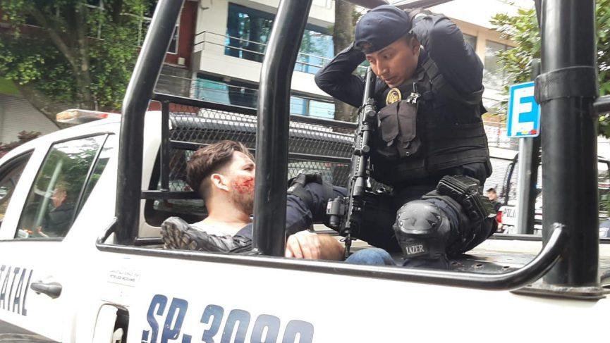 Captura la policía a dos que ponían trampas en cajeros, en Xalapa