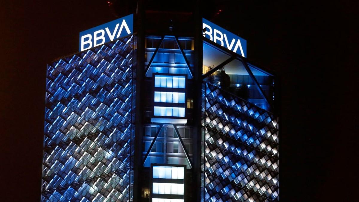 BBVA vende su filial en Estados Unidos por 11 mil 600 MDD.