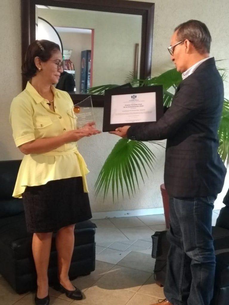 "Entrega UCC premio ""Torrente Viver"" a Guadalupe H. Mar"