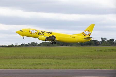 Ahora Mercado Libre transportará mercancías en avión.