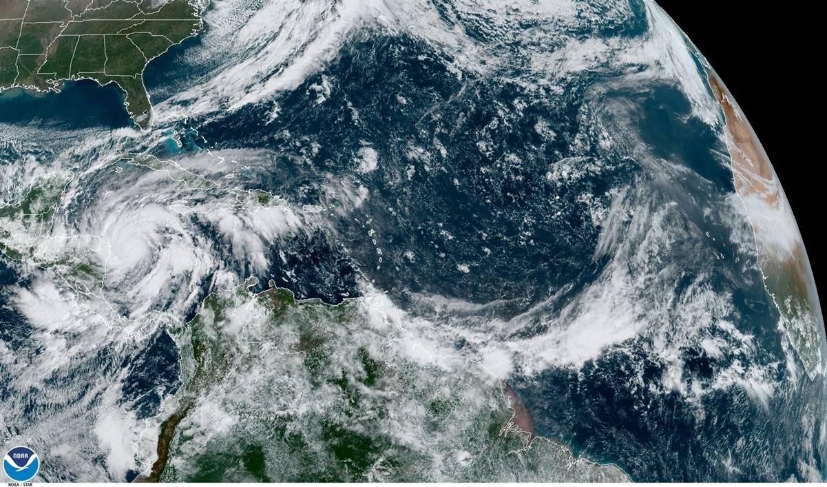 Costas de Nicaragua son desalojadas ante huracán Eta