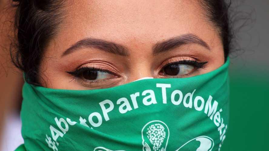 """A México """"ya le toca"""", dice hijo de AMLO tras aprobación del aborto en Argentina"""