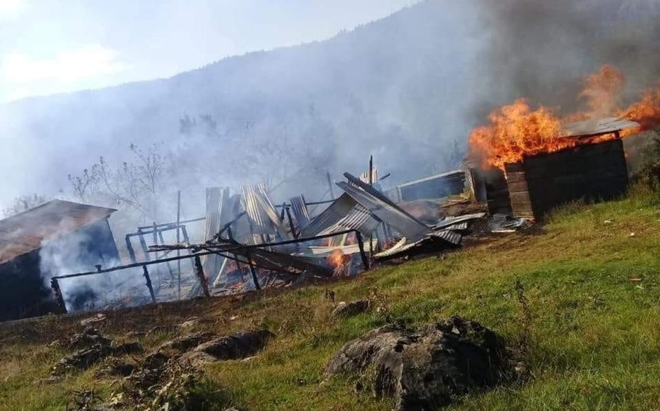 Queman 30 casas en comunidad de Chiapas por un problema agrario