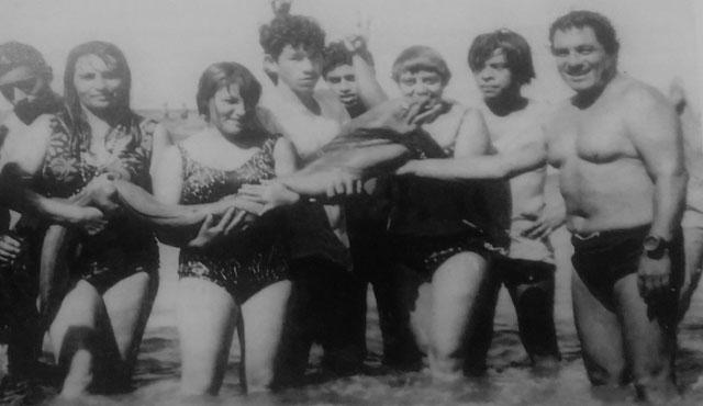Constantino Zimbrón, Submarino humano nadador de mar abierto y cazador submarino.