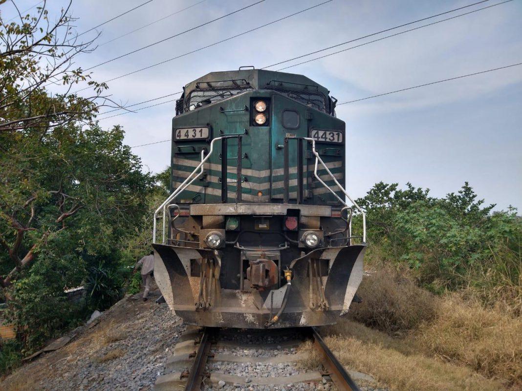 Tren le amputó las piernas tras quedarse dormido sobre las vías