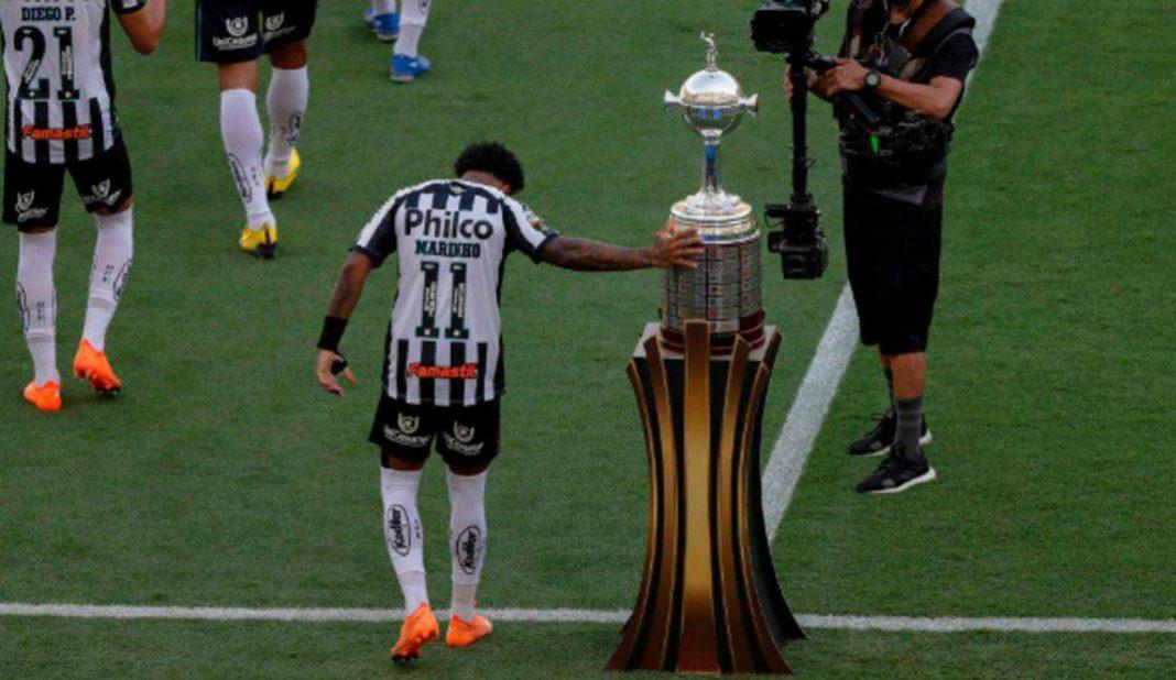 La copa no se toca y Marinho de Santos lo hizo