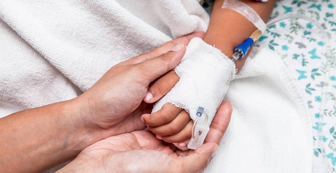 Niños con cáncer de las Altas Montañas ganan amparo, gobierno estatal debe dar tratamientos