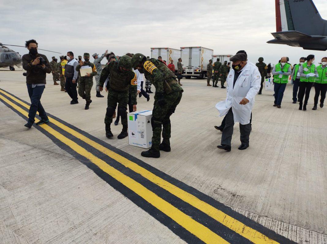 Llegan más de 14 mil dosis de vacunas anti Covid-19 al Aeropuerto de Veracruz
