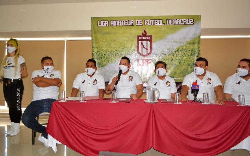 Presentan la Liga Amateur de Futbol Veracruz.