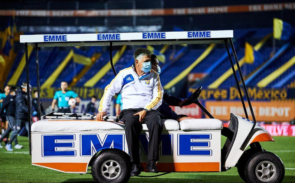 Ricardo Ferretti regresa a los entrenamientos de Tigres tras ser operado