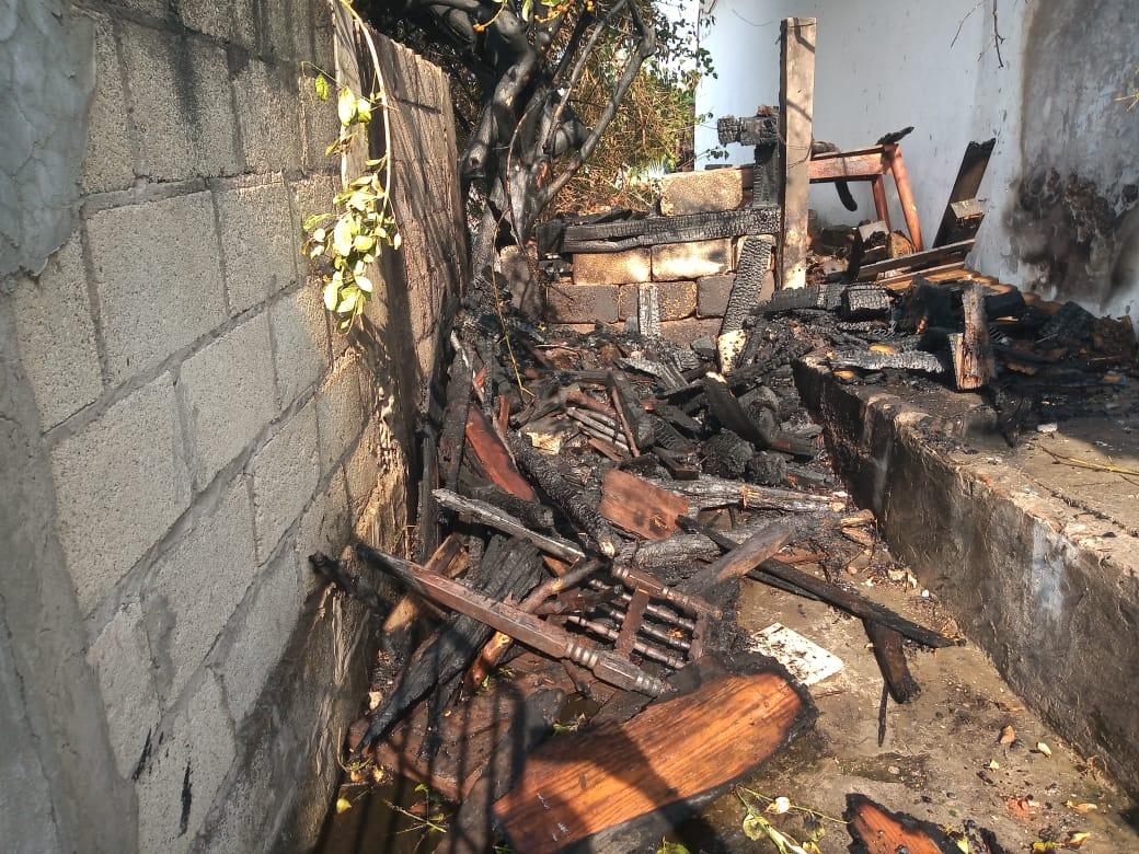 Se incendia vivienda en la colonia Playa Linda
