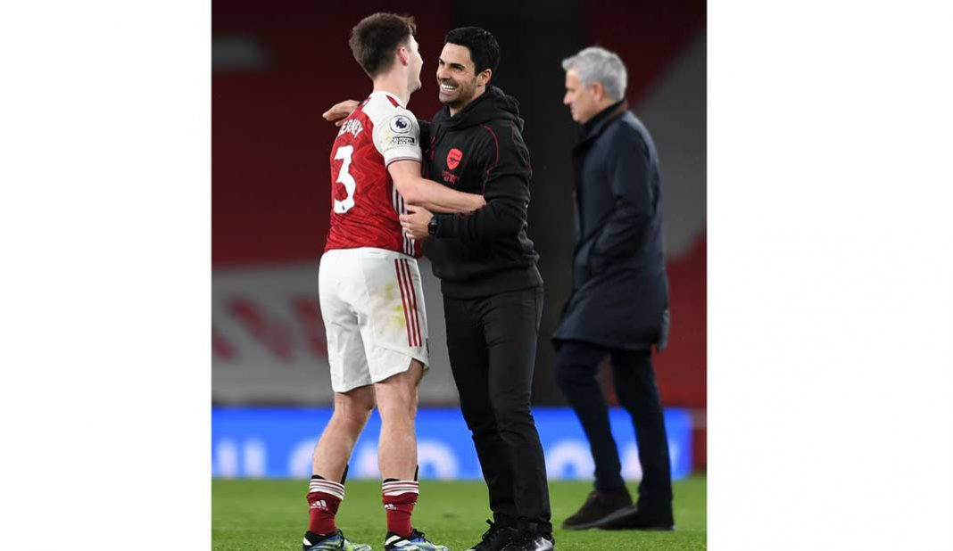 Arsenal vence al Tottenham de José Mourinho