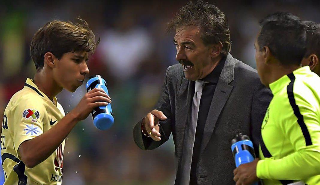 La Volpe asegura que Lainez debió jugar para el Ajax