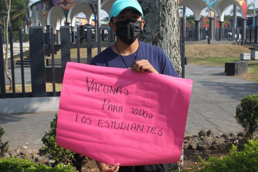 Estudiantes exigen vacunas para un regreso seguro a clases