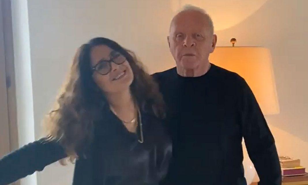 Anthony Hopkins celebró su triunfo en los Oscar bailando con Salma Hayek