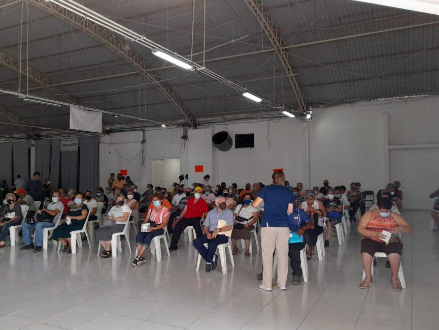 Sin filas se aplica la segunda dosis a adultos mayores en Boca del Río