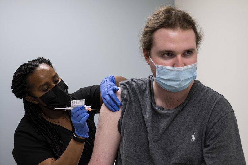 Estados Unidos amplía vacunación anticovid para mayores de 16 años