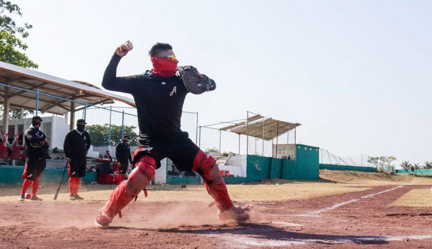 Férrea pelea detrás del plato en El Águila de Veracruz