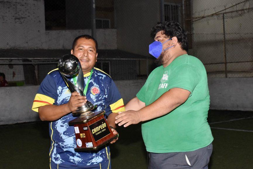 Primos levanta el título de la Central Soccer 5 tras vencer en la final a Sagev